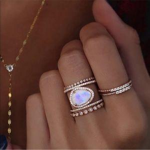 New Item✨ Rose Gold Moonstone Ring 💕